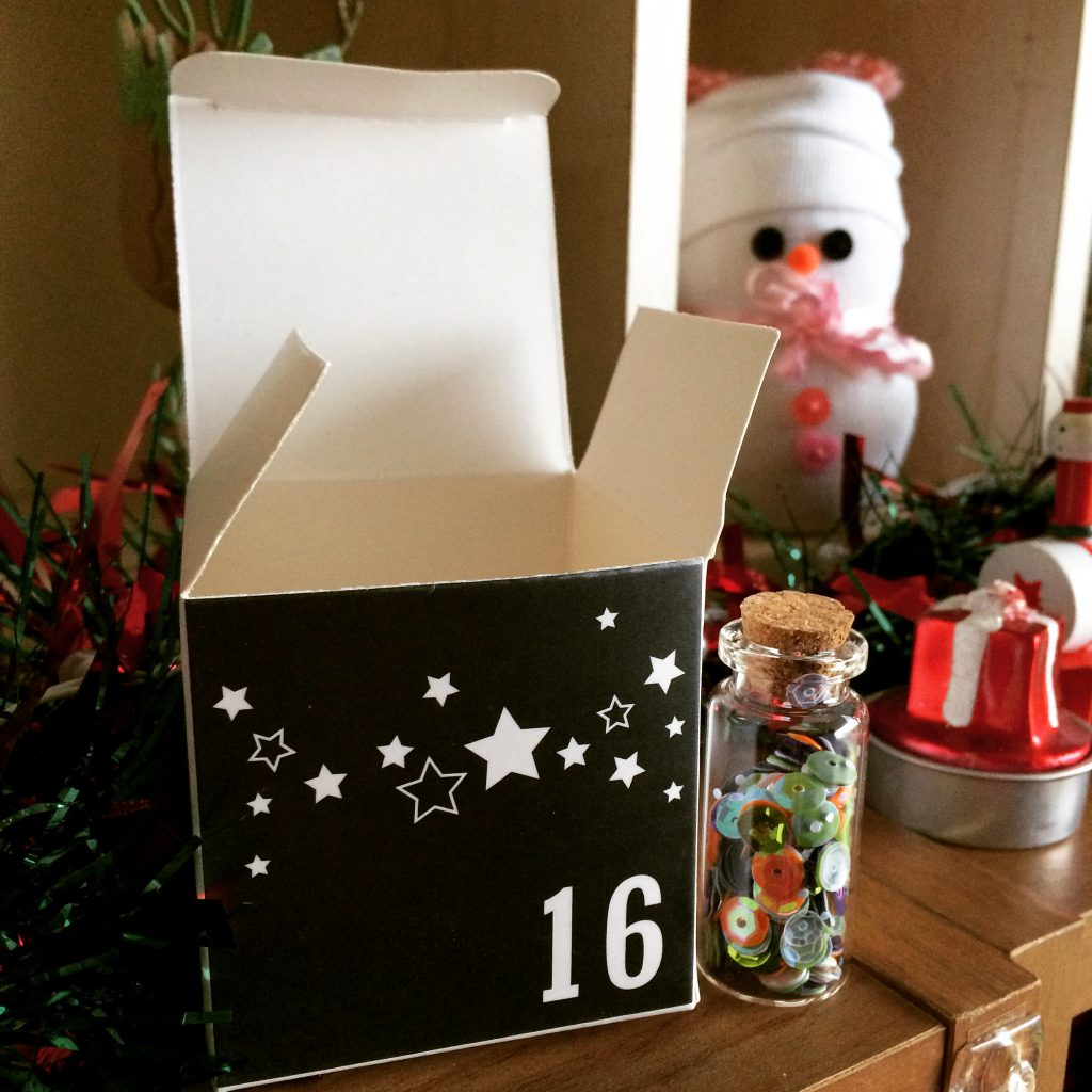The Crafty Lass ADVENTure advent calendar (16)